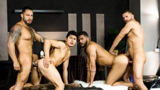 Telenovela Porno Gay – Partie 4 : Jeune mec se fait tourner