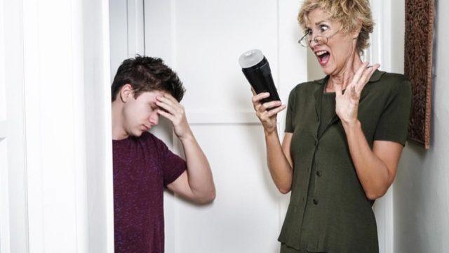 Quand la mère tombe sur le sextoy de son fils