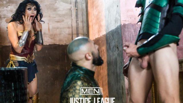 Justice League – La parodie gay – Épisode 2 – Colby Keller & Francois Sagat