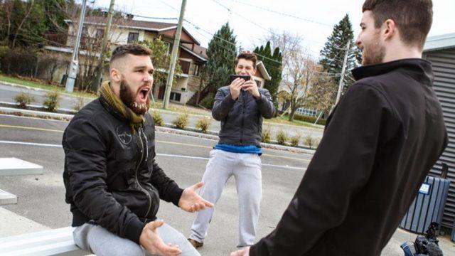 Pranksters – Partie 3 : Ils jettent du faux (?) sperme sur les passants